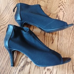 Tahari Open Toes Booties